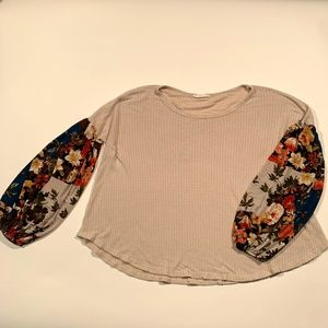 Entro Beige Thermal Knit Floral Puff Sleeve Top